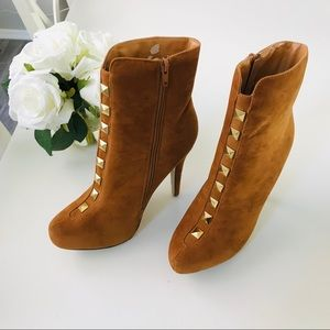 Just Fabulous Heeled Boots Size 8.5